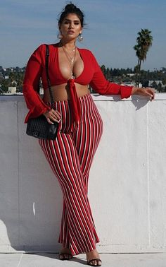 Luscious hips and thighs striped pants, sunnies, plus size fashion, sexy outfits, Curvy Women Fashion, Plus Size Fashion, Lady, Looks Plus Size, Moda Plus Size, Plus Size Beauty, Curvy Models, Voluptuous Women, Plus Size Women