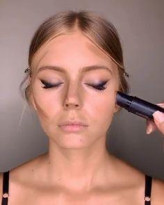 makeup eyeliner looks ; Makeup Contouring, Makeup 101, Skin Makeup, Eyeshadow Makeup, Highlight Contour Makeup, Daily Makeup, Eyebrow Makeup, Makeup Eye Looks, Smokey Eye Makeup