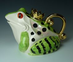 frog teapot made by Andy Titcomb