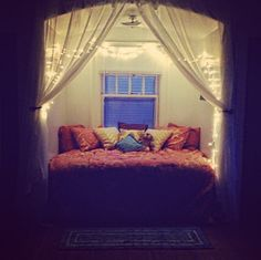 Cute little nook in a dorm room.