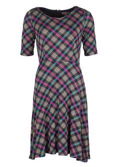 Køb Fever London kjole i tern Cagney Navy/racing hos denckerdeluxe