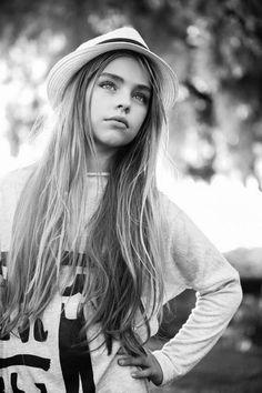 http://celebridadesfemeninas.blogspot.ru/2016/08/jade-weber-una-nueva-galeria-de-esta.html