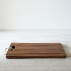 WOODEN CHOPPING BOARD - RECTANGLE