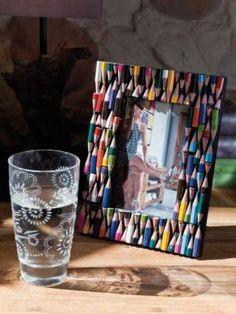 Moldura de fotos com lápis de cor - BricoDecoracao.com