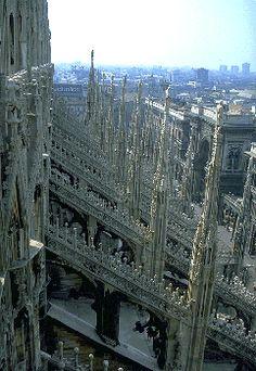 History of Gothic Architecture : Duomo, Milano No.1