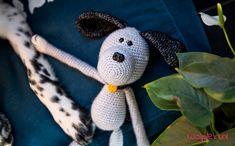 """""""Woef, woef! Ik ben Max!"""" Maak kennis met onze nieuwe trouwe viervoeter Max en ga aan de slag met het gratis haakpatroon van deze schattige knuffel hond! Crochet Toys, Handicraft, Animals And Pets, Free Pattern, Projects To Try, Snoopy, Diy Crafts, Wau Wau, Christmas Ornaments"""