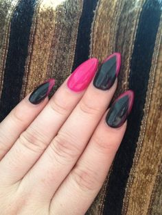 Black and hot pink almond nails!