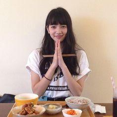 The Japanese customs before eat Nana Komatsu Fashion, Komatsu Nana, Cute Korean Girl, Japan Girl, Japanese Models, Poses, Ulzzang Girl, Aesthetic Girl, Girl Crushes