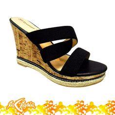 ¡Marca la diferencia luciendo tus #sandalias! 1er.Piso #tiendalagloria #calzado #femenino