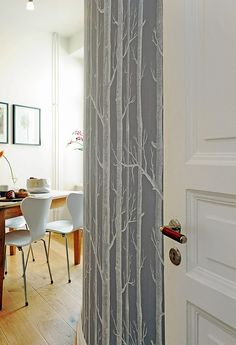 40 Scandinavian Wallpaper Ideas Making Decorating a Breeze (Birch tree wallpaper) Tree Wallpaper Bedroom, Birch Tree Wallpaper, Modern Wallpaper, Of Wallpaper, Wallpaper Ideas, Beautiful Wallpaper, Interior Exterior, Interior Design, Scandinavian Wallpaper