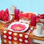 Pink and Poolside, How fabulous is that! #Table Setting #DIY #Pink
