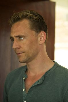 Tom Hiddleston as Jonathan Pine in The Night Manager ( Promotional episode photos - Episode 3) . Full size image: http://ww1.sinaimg.cn/large/6e14d388jw1f1hcpyzf2mj22s01ujqhu.jpg Source: http://images.spoilertv.com/The%20Night%20Manager/Season%201/Promotional%20Episode%20Photos/Episode%203/ Via Torrilla, Weibo