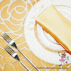 Keep it super simple when decorating your table! Take inspiration from geometric shapes for your next party! | The Party Goddess! #decor #diy #eventplanner #partyplanning Cheap Bedroom Decor, Party Food And Drinks, Napkin Folding, Beyond Words, Party Photos, Minimalist Home, Dorm Decorations, Get In Shape, Geometric Shapes