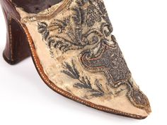 Shoe-Icons / Shoes / Late baroque ladies mules, decorated with metallic embroidery on the vamp. France. From the Hearst collection