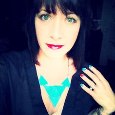 WobiSobi: Triangle Statement Necklace, DIY