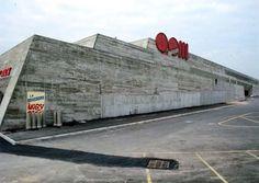 Les plus belles réalisations de Claude Parent: Centre commercial, Sens (1970) ©…