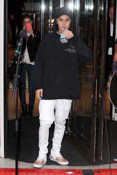 yoooo dat Biebs hoodie tho