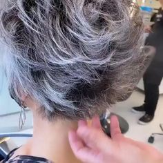 Short Hair With Layers, Short Hair Cuts For Women, Short Grey Hair, Short Layered Haircuts, Short Stacked Hairstyles, Medium Hair Styles, Short Hair Styles, Grey Hair Transformation, Gray Hair Highlights