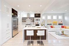 Veja nossa incrível seleção com 85 fotos de projetos de cozinhas americanas com salas interligadas. Confira!