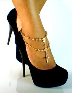 Why I have not seen this before. Gorgeous anklet!