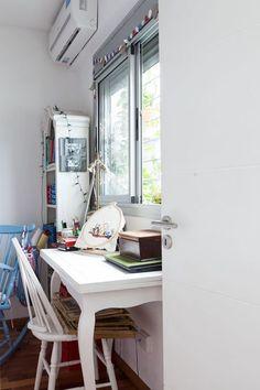 Interiores #165: Jardín secreto – Casa Chaucha Office Desk, Sweet Home, Cabinet, Storage, Furniture, Home Decor, Offices, Ideas, Environment
