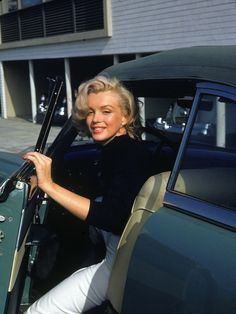 An Icon In Pictures: Marilyn Monroe - ELLEUK.com