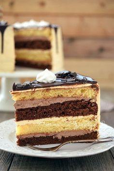 Klasyczny tort z masą maślaną Sweets Recipes, Baking Recipes, Cake Recipes, Potica Bread Recipe, Mini Cakes, Cupcake Cakes, 7 Layer Cakes, Chocolate Sponge Cake, Different Cakes