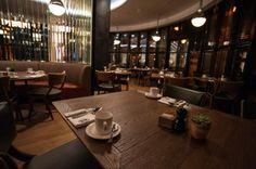 Basic Collection, Es Bisztro #restaurant #es #bistro #budapest #kempinski #aska #design #interior #brown #upholstery #wood  fotó: Fender Csaba