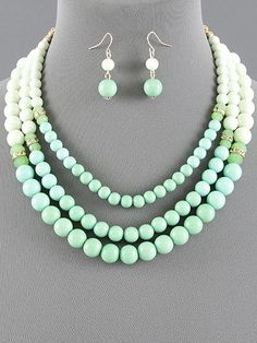 Vintage Style Mint Pearl Necklace Set