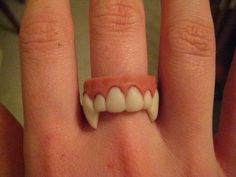 Vampire Ring by Richmond Art Artist Statement: Show your love for teeth and/or vampires with this polymer clay ring. Clay Art Projects, Polymer Clay Projects, Diy Clay, Funky Jewelry, Cute Jewelry, Jewelry Art, Jewellery, Weird Jewelry, Fimo Ring