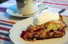 sunday´s cake blog - Torta escondida de ciruelas