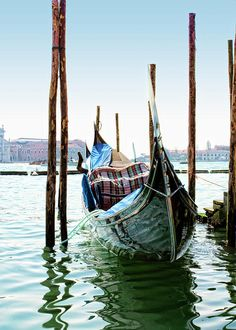 Sitting on the water's edge at the end of the Grand Canal near Saint Mark's Square, the gentle lapping of the water lightly rocks the tethered gondolas. Italy Painting, Venice Travel, Beach Wallpaper, Art Pictures, Photos, Universe Art, Famous Art, Venice Beach, Landscape Art
