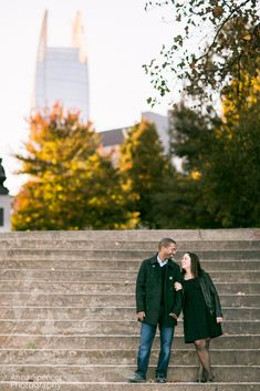 Anna and Spencer Photography , Atlanta Wedding Photographers . Engagement Session at Piedmont Park in Midtown Atlanta . Atlanta Skyline .
