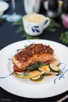 Lachs mit Tomatenkruste und Ofengemüse, Gemüse, Lachs, Fisch, Fisch Rezept, BBQ, Grillen, Kruste, Tomatenkruste Fabulous Foods, Sorbet, Superfoods, Bon Appetit, Parmesan, Pesto, Zucchini, Healthy Recipes, Superfood Recipes