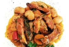 Παραδοσιακή συνταγή από τη Μάνη Sausage, Meat, Chicken, Food, Sausages, Essen, Meals, Yemek, Eten