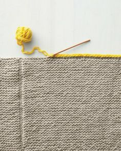 How to make a knit blanket with contrasting seams. Great idea! Thank you marthastewart.com!