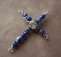 Tutorials: Cross pendants. From the Beading Gem - good tutorials blog.