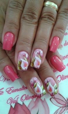 22 Trending Winter Nail Colours & Design Ideas for 2019 Flower Nail Designs, Colorful Nail Designs, Fingernail Designs, Toe Nail Designs, Cute Nail Art, Beautiful Nail Art, Winter Nails 2019, Pretty Toe Nails, Floral Nail Art