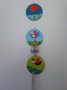 Çocuk odaları için sevimli ahşap askılar