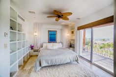 House in Cabo San Lucas, Mexico. Cabo Bello Villa, in Private Gated Community with Private Beach. Minutes from Cabo San Lucas Marina, Restaurants, Shopping and All Beach Activities. Endless rooftop views and access to one of Cabos best beaches  Casa Bella is a lovely 4 large bedr...