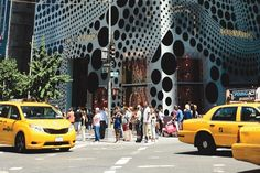 ON THE DOT: At 12:30 on Tuesday afternoon, anyone within a five-block radius of 57th Street and Fifth Avenue in New York City was seeing spots as Yayoi Kusama's artistic treatment of the Louis Vuitton maison windows was unveiled.
