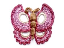 I love butterflies and this one is just beautiful...and the fun you can have making it in different colors...