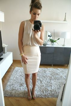 Love the cream on cream. corporate fashion. >> Clean cut and well put together! Here's for my texas girls who can not always layer up their office outfits so easily due to the weather being so hot.