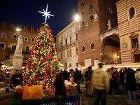 Caffè Letterari: Verona si veste di luce : Mercatini di Natale 2016...