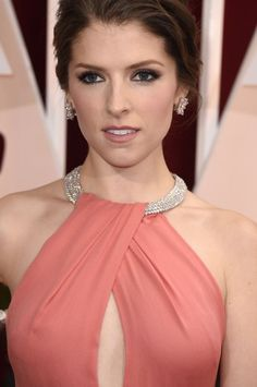 Hollywood Robe Bling bling Anna Kendrick – The World Anna Kendrick, Hollywood Celebrities, Hollywood Actresses, Beautiful People, Beautiful Women, Actrices Hollywood, Female Actresses, Teresa Palmer, Elizabeth Olsen