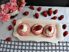 Coisas simples são a receita ...: Mini pavlovas de morango, chocolate e mascarpone