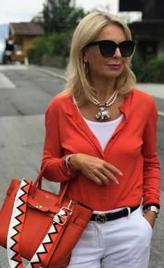Stylish Outfits For Women Over 50, Fashion For Women Over 40, Casual Fall Outfits, Winter Fashion Outfits, Autumn Fashion, 60 Fashion, Denim Fashion, Casual Street Style, Casual Chic