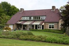 Baie mooi Vessem Featuring free WiFi throughout the property, Baie mooi offers accommodation in Vessem, 12 km from Eindhoven. Free private parking is available on site.  Certain units have a seating area for your convenience.