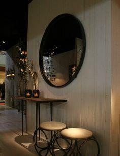 Grote ronde spiegel Expo, frame met koper look.