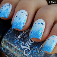 Wintery White & Blue Gradient #nails #glitter #nailart http://www.makeupbee.com/look.php?look_id=72188